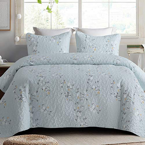 Exclusivo Mezcla Microfiber Queen Size Quilt Set for All Seasons, 3 Piece Floral Bedspread/Coverlet/Bedding Set with 2 Shams, Lightweight and Soft, (96'x92', Light Blue)