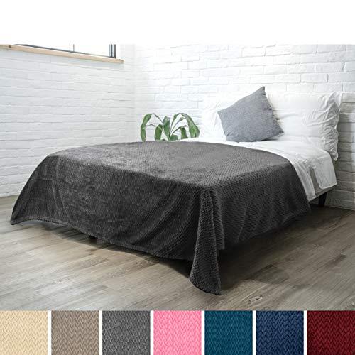 PAVILIA Luxury Soft Plush Grey Blanket for Twin Bed, Sofa, Couch | Super Soft Velvet Charcoal Gray Fleece Chevron Pattern | Cozy, Warm, Fuzzy Lightweight Microfiber | All Season | 60 x 80 Inches